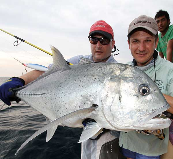Popperfishing for Wahoo, Sharks, Giant Trevally, Tuna, Snapper, Grouper and more.